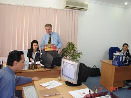 file.329305 Làm gì khi có hai mệnh khắc nhau trong văn phòng