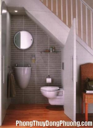 1 Bố trí nhà vệ sinh dưới gầm cầu thang