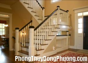 cau thang trang 300x215 Phong thủy trang trí cho cầu thang