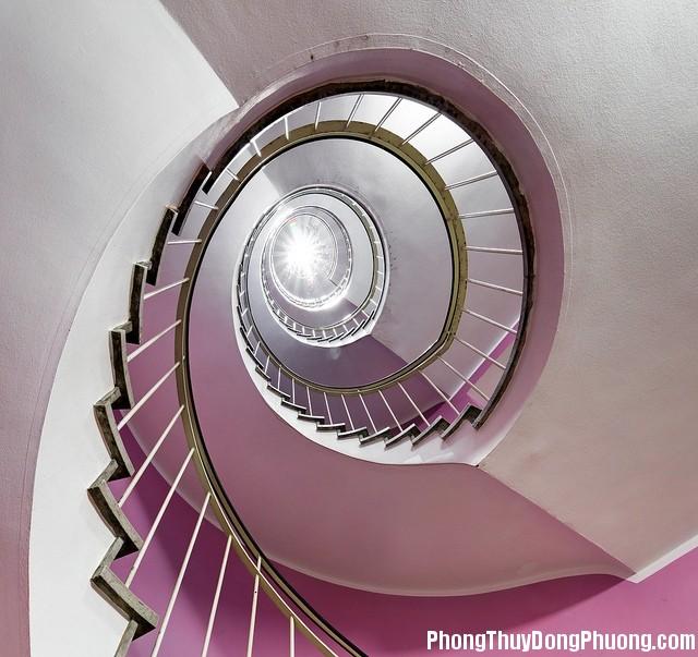 cau thang xoan oc Cầu thang hình xoắn ốc không tốt cho nhà ở