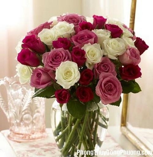binh hoa phong thuy Bài trí bình hoa đem lại hôn nhân hạnh phúc