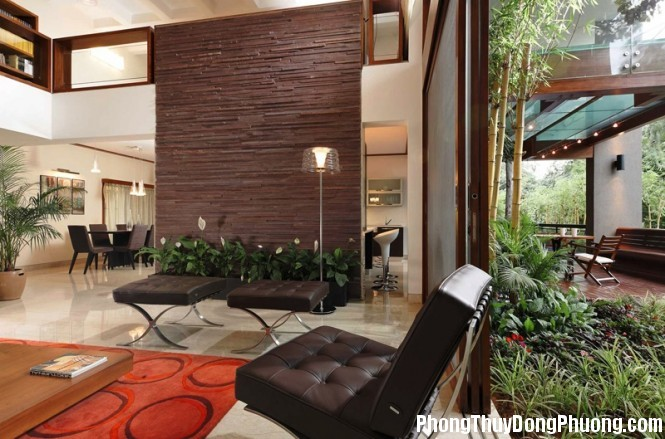 brown red living room 665x439 Những loại cây cảnh giúp bạn có được tinh thần tỉnh táo nhất khi làm việc