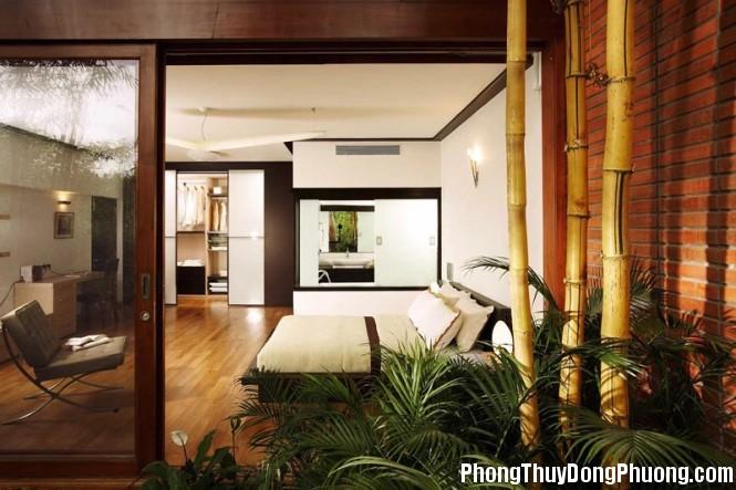 white bedroom decor 665x443 Dùng cây xanh giảm xung hại cho nhà ở
