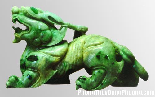 952 vp1 1 Phong thủy bài trí vật phẩm trên bàn làm việc