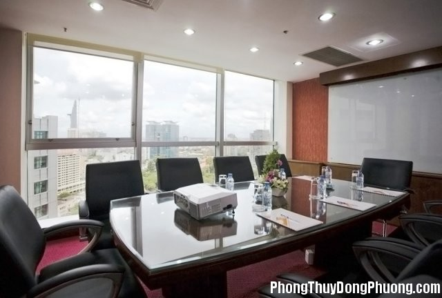 """phoca thumb l Phong hop 12 Phòng sếp không nên có vòi nước nhằm tránh """"dột tiền tài"""""""