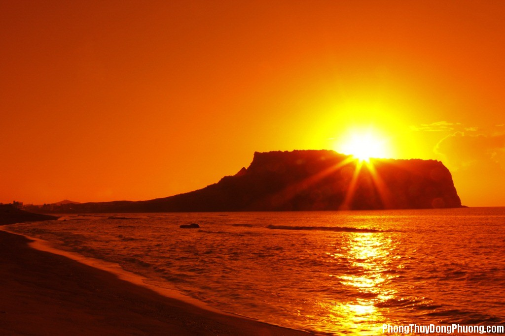 Nui lua Seongsan Han Quoc Giải mã các bí ẩn giấc mơ thấy mặt trời mọc như răng đang nhú với bệnh đau họng