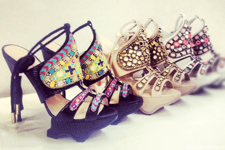 giay dep Giải mã các bí ẩn giấc mơ thấy giày dép