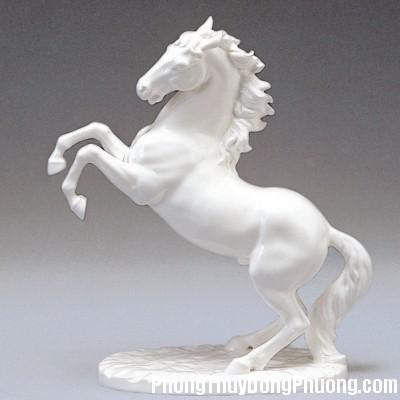74 1935635901 Bài trí biểu tượng ngựa trong nhà để tài lộc sinh sôi