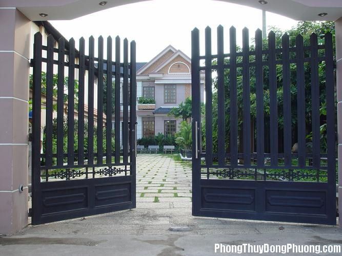 201203133950 c   ng tay     n Bố trí cổng phù hợp cho nhà ở