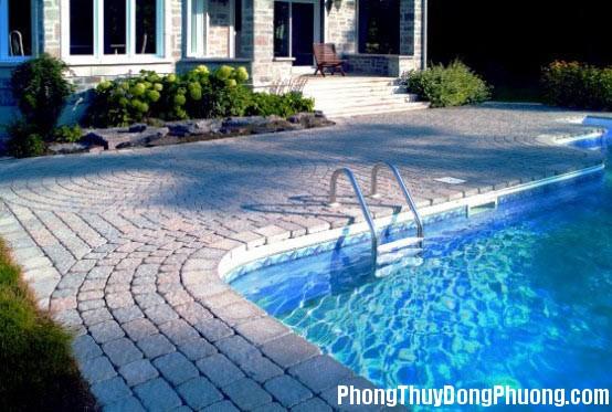201441405951612 Bể bơi trước nhà, tài lộc thẳng tiến
