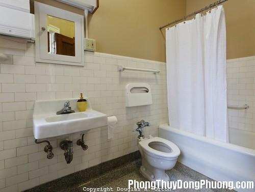4121929 bathroom0231977402 fd86 Những cách hóa giải cho nhà tắm có phong thủy xấu