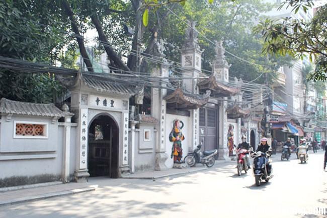 hoa giai the phong thuy xau cua khu dat gan den chua mieu mao1 Hóa giải cho nhà ở gần đền chùa, miếu mạo