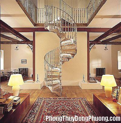 cau thang inox xoan oc cao cap 1352475644 Cách khắc phục những điểm phong thủy xấu trong nhà ở