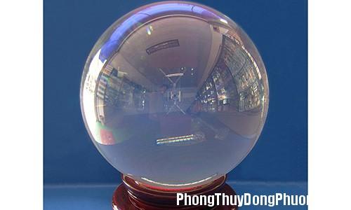 cpt 1b4c Treo quả cầu thủy tinh hóa giải cho cửa hai nhà đối diện nhau