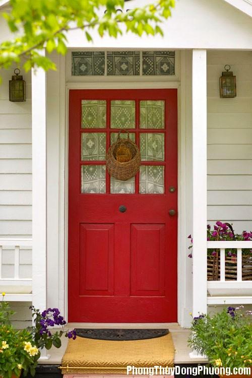 E06 cuadoicua 1 Cách khắc phục khi 2 nhà mở cửa đối diện nhau