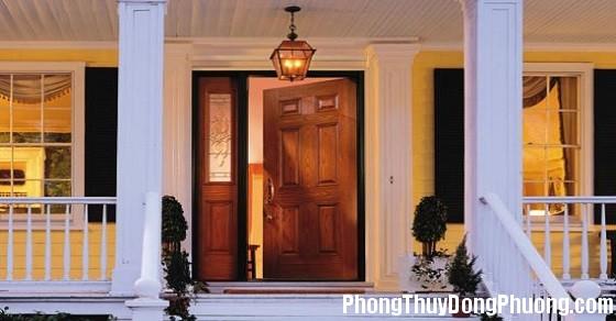 cua chinh nha dep Những kiêng kị phong thủy đối với cửa ra vào trong nhà ở