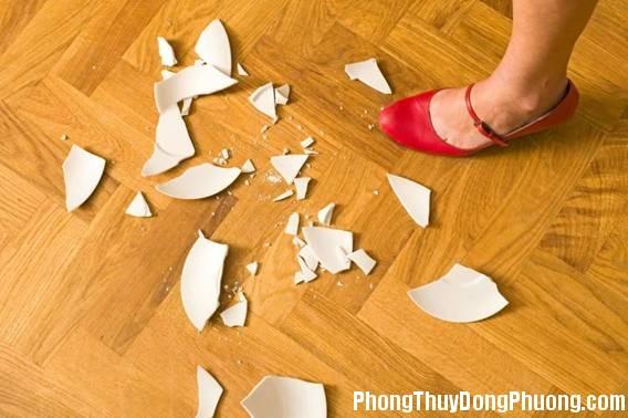 nhung do vat bi vo can vut ngay khoi nha de tranh gap diem xui Đồ vật nứt vỡ trong nhà cần vứt ngay để tránh gặp vận xui