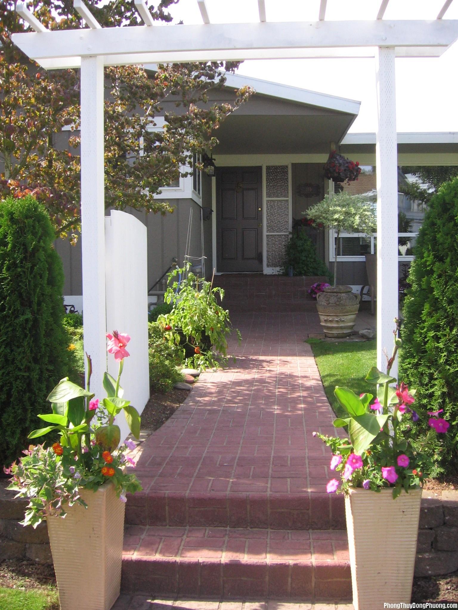 20131114074346307 Chỉ cần đường vào nhà, lối đi và cửa trước hợp phong thủy lo gì không có tiền tiêu