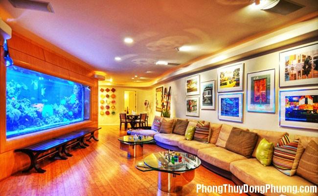 thủy1 Đặt bể cá trong phòng khách theo cách này, ngôi nhà sẽ ngập tràn sinh khí, thịnh vượng