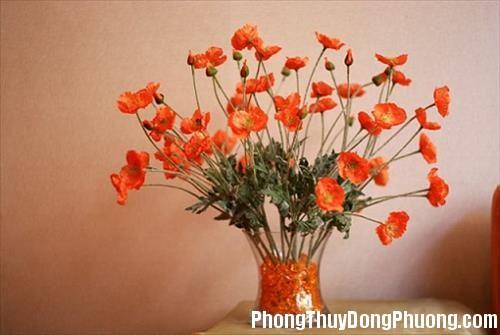 140642 hoa gia 1 3 vật phẩm phong thủy tuyệt đối không được đặt trên bàn làm việc nơi văn phòng
