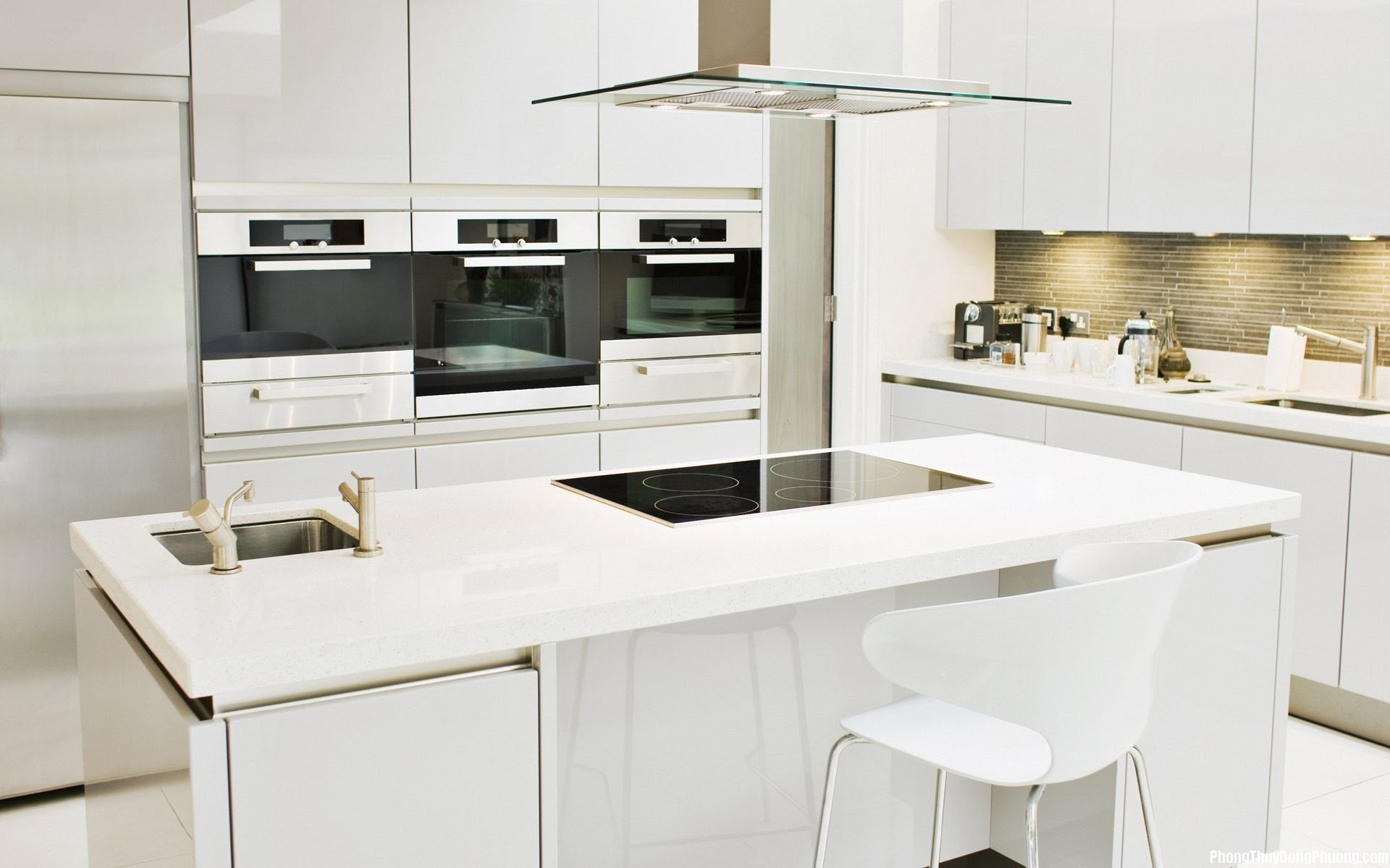 linh phong thuy phong bep nhung yeu to mau sac va vat lieu ban can biet 354133621f Phong thủy phòng bếp: Những yếu tố về màu sắc và vật liệu bạn cần biết