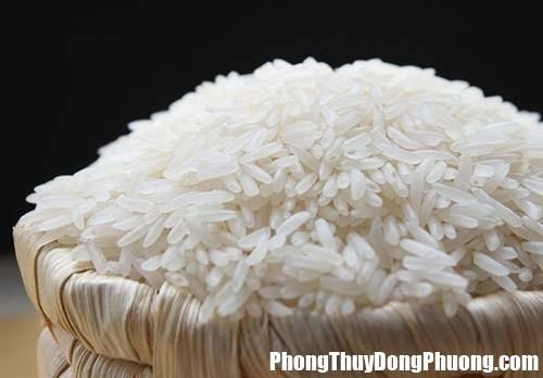 cach dat hu gao hop phong thuy 1 ursp Đặt tủ lạnh và hũ gạo sao cho đúng với phong thủy?