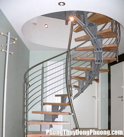 cauthangxoan ca39 hbnw Không nên thiết kế cầu thang quá dốc sẽ gây nguy hiểm cho mọi người
