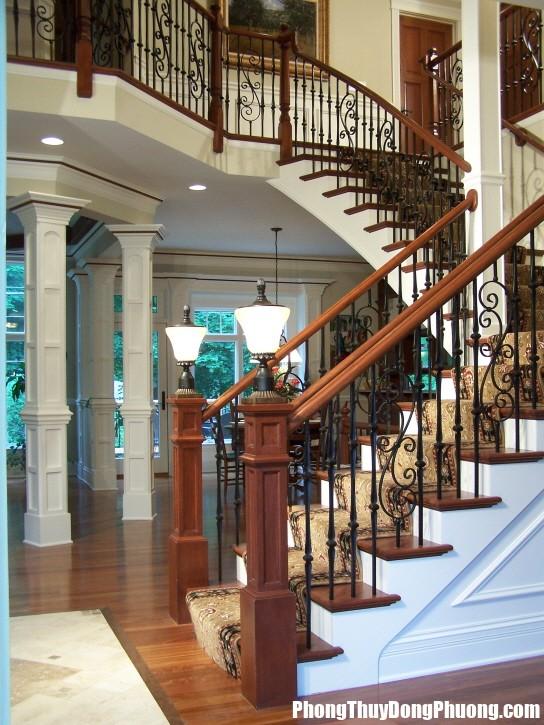 9B4 cauthang1 Cầu thang là nơi giữ khí và dẫn khí cho nhà ở