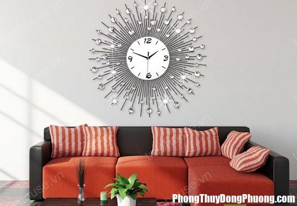 67C nhungcamky 1 Treo đồng hồ trong phòng khách mà không biết những cấm kị này là đang tự rước họa cho ngôi nhà