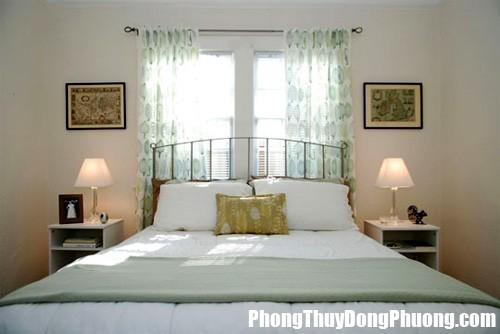 ke giuong ngu 8 Cần tránh những lỗi phòng ngủ phạm phong thủy này để gia đình được êm ấm