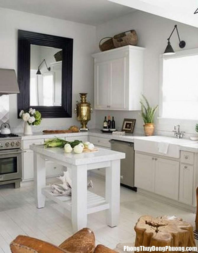 pt cam ky trong bep 5 Cần cân nhắc kỹ khi treo gương trong phòng bếp