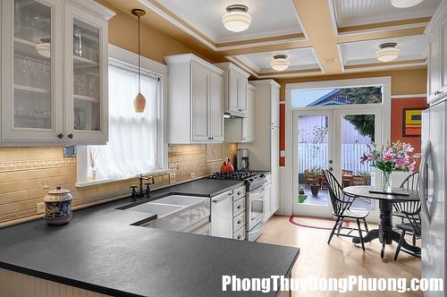 traditional kitchen 7 Kiêng kỵ phòng bếp cần nhớ rõ để duy trì sức khỏe, tiền tài và sự thịnh vượng